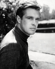 This is an image of Photograph & Poster of George Peppard 198339