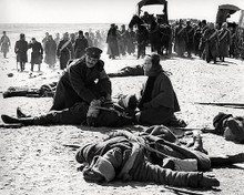 This is an image of Photograph & Poster of Doctor Zhivago 198366