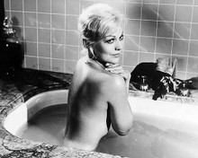 This is an image of Photograph & Poster of Kim Novak 198392