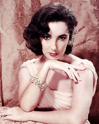 This is an image of Photograph & Poster of Elizabeth Taylor 289883