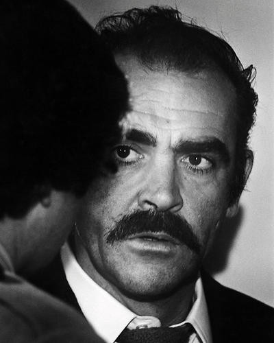 This is an image of Photograph & Poster of Sean Connery 198746