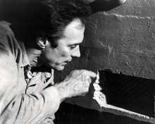 This is an image of Photograph & Poster of Escape from Alcatraz 199000