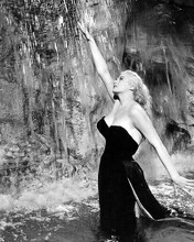 This is an image of Photograph & Poster of Anita Ekberg 198916
