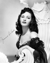This is an image of Photograph & Poster of Yvonne De Carlo 199280