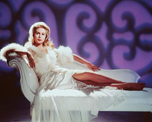 This is an image of 242641 Elizabeth Montgomery Photograph & Poster