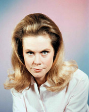 This is an image of 255750 Elizabeth Montgomery Photograph & Poster