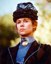 This is an image of 256224 Elizabeth Montgomery Photograph & Poster