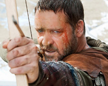 This is an image of 281501 Russell Crowe Photograph & Poster
