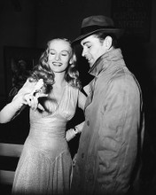 This is an image of 178637 Alan Ladd & Veronica Lake Photograph & Poster