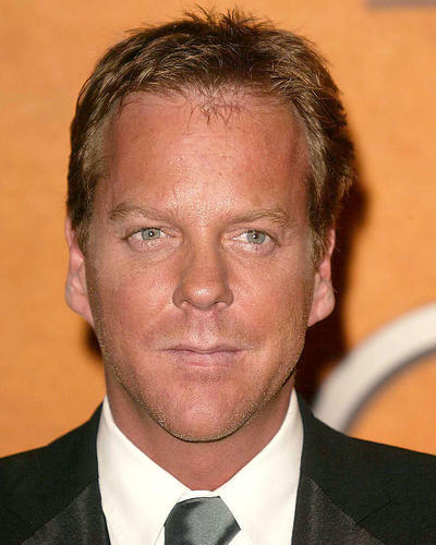 This is an image of 271809 Kiefer Sutherland Photograph & Poster