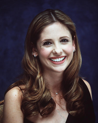 This is an image of 255279 Sarah Michelle Gellar Photograph & Poster
