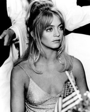 This is an image of Prints & Posters of Goldie Hawn 104623