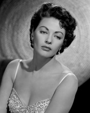 This is an image of Prints & Posters of Yvonne De Carlo 105626