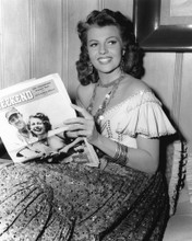 This is an image of Prints & Posters of Rita Hayworth 105904