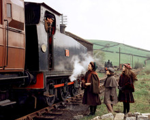 This is an image of Prints & Posters of The Railway Children 203156
