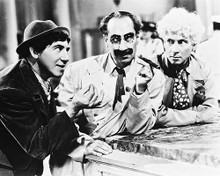 This is an image of Photograph & Poster of The Marx Brothers 161250