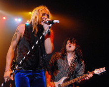 This is an image of Photograph & Poster of Quiet Riot 277599
