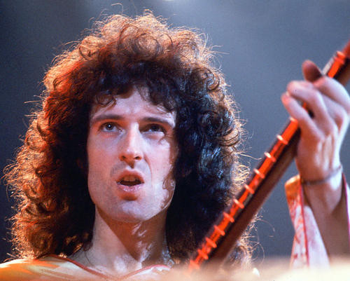 This is an image of Photograph & Poster of Queen 266497