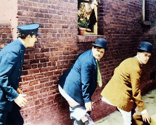 This is an image of Photograph & Poster of Laurel and Hardy 287423
