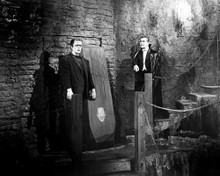 This is an image of Photograph & Poster of Bela Lugosi 103196