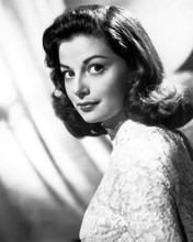 This is an image of Photograph & Poster of Pier Angeli 103050
