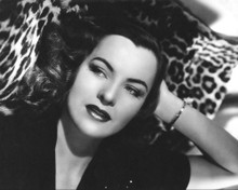This is an image of Photograph & Poster of Ella Raines 103135
