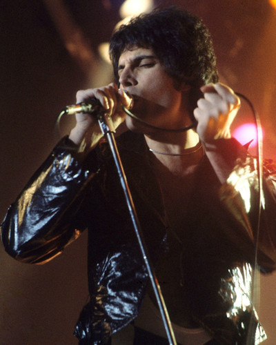 This is an image of Prints & Posters of Queen 299169