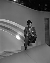 This is an image of Prints & Posters of Frank Sinatra 103604