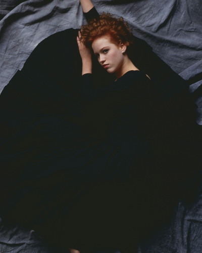 This is an image of Prints & Posters of Molly Ringwald 299614