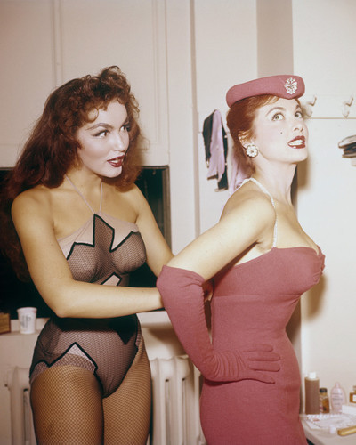This is an image of Prints & Posters of Tina Louise 201591