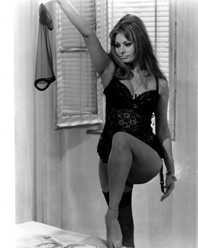 This is an image of Prints & Posters of Sophia Loren 104146