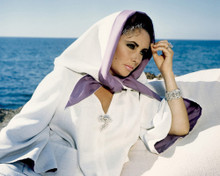 This is an image of Prints & Posters of Elizabeth Taylor 201959