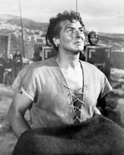 This is an image of Prints & Posters of Victor Mature 104340