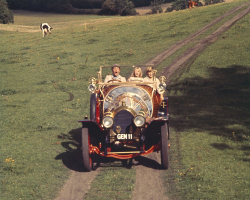 This is an image of Prints & Posters of Chitty Chitty Bang Bang 202111