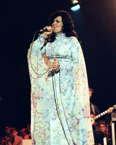 This is an image of Prints & Posters of Loretta Lynn 202205
