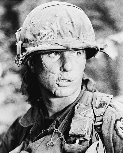 This is an image of 16712 Tom Berenger Photograph & Poster