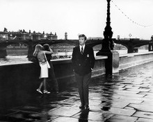 This is an image of Photograph & Poster of Michael Caine 100805