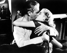 This is an image of Photograph & Poster of Rear Window 100911