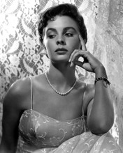 This is an image of Photograph & Poster of Jean Simmons 101515