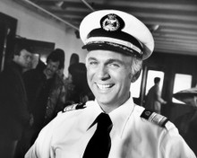 This is an image of Photograph & Poster of Gavin Macleod 101925