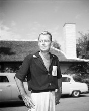 This is an image of Photograph & Poster of Alan Ladd 102147