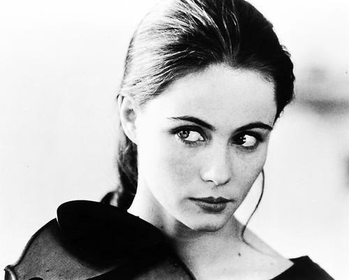 This is an image of Photograph & Poster of Emmanuelle Beart 160670