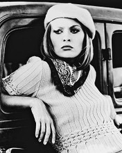 This is an image of 163808 Faye Dunaway Photograph & Poster
