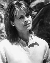 This is an image of 165099 Linda Hamilton Photograph & Poster