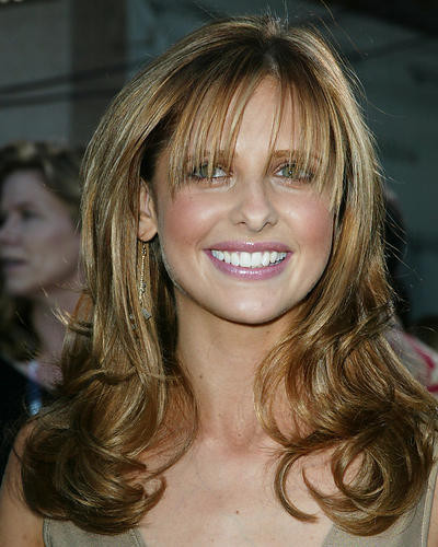 This is an image of 255930 Sarah Michelle Gellar Photograph & Poster