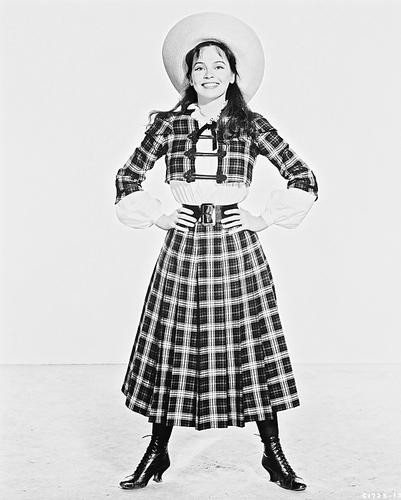 This is an image of 170592 Leslie Caron Photograph & Poster
