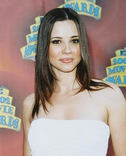 This is an image of 252991 Linda Cardellini Photograph & Poster