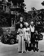 This is an image of 188259 The Munsters Photograph & Poster