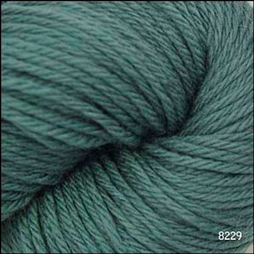Cascade 220 Yarn - 100% Peruvian Wool - 8229 Country Green
