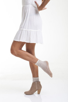 BOOTIGHTS Honey Comb Cream Sheer Crew Socks